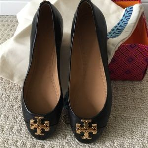 Tory Burch black leather reva flats brand new